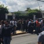 """Enviados de Guaidó toman embajada en Costa Rica; los acusan de """"ladrones"""" - Foto de El Nacional"""