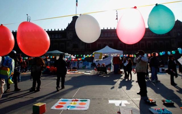 Trabajadoras de estancias infantiles protestan en el Zócalo - Foto de Quadratín