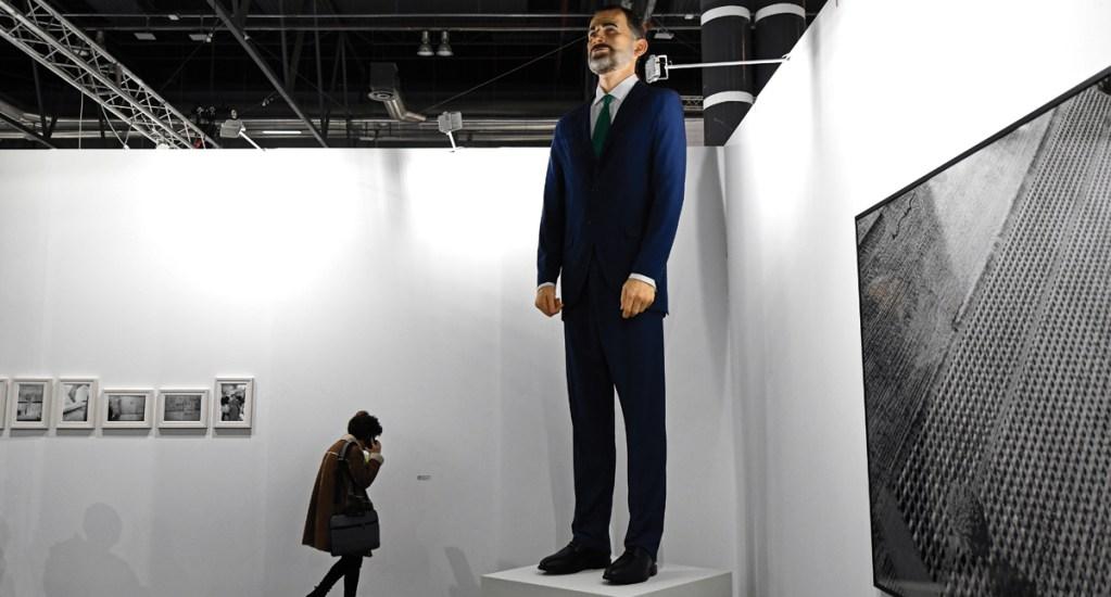 Ponen a la venta estatua inflable del rey Felipe para ser quemada - Foto de Oscar del Pozo/AFP