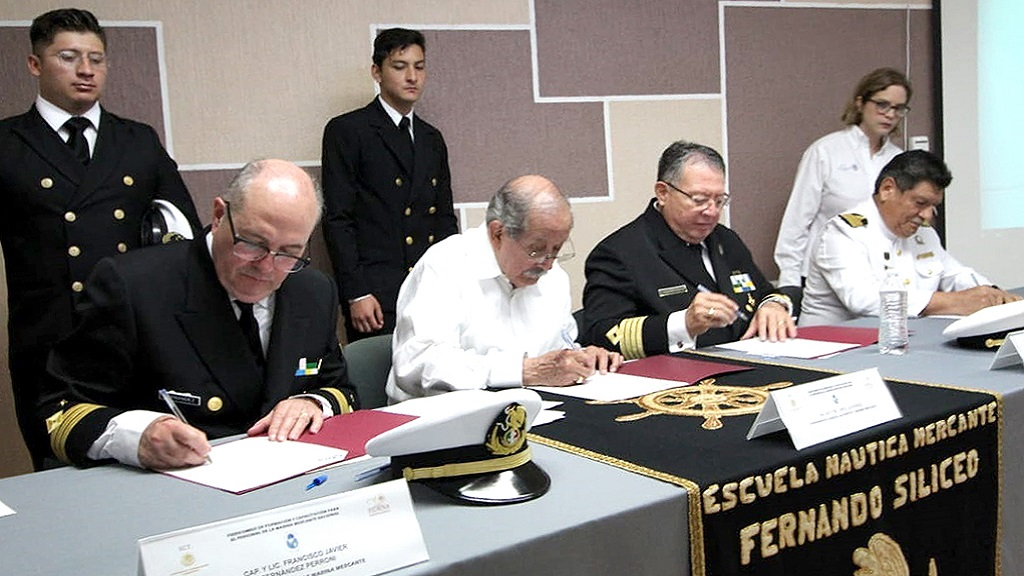 Firma de Memorándum de Entendimiento con la CMU. Foto Especial