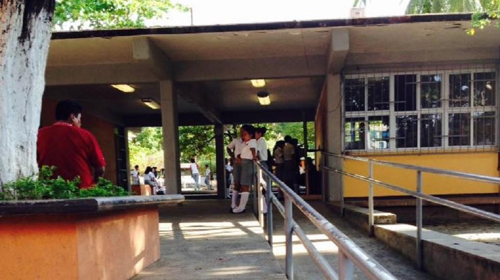Hospitalizan a 19 alumnos de secundaria por intoxicación en Ometepec - Interior de la Escuela Secundaria Federal Ometepec. Foto de Facebook Esc. SecFederal Cuauhtemoc Ometepec