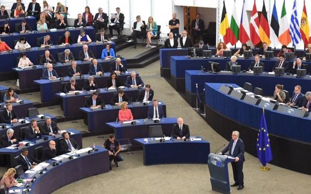 Comisión Europea reitera que no renegociará el Brexit - Jean-Claude Juncker ante la Comisión Europea. Foto de @JunckerEU