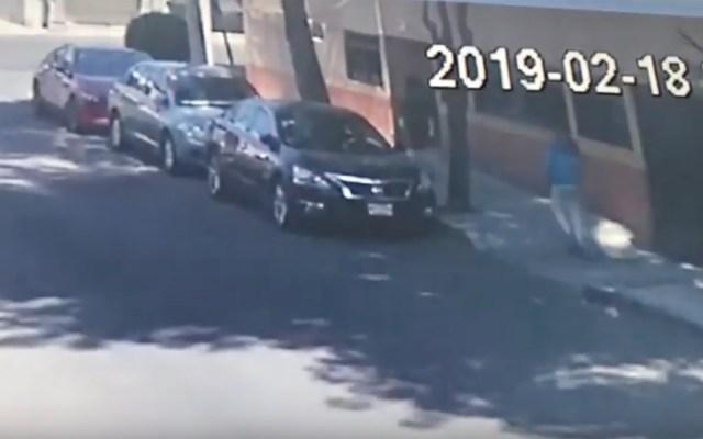 #Video Someten a mujer con llave china para asaltarla - Captura de Pantalla