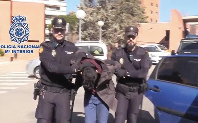Joven asesina a su madre, la corta y la guarda en recipientes en su casa de Madrid - Foto de Policía Madrid