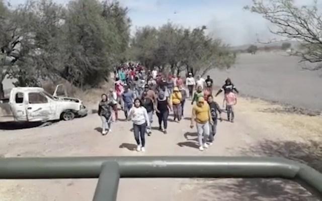 #Video Habitantes de Guanajuato corren a militares y Policía Federal - Militares Santa Rosa de Lima, Guanajuato. Foto de A.M. Léon