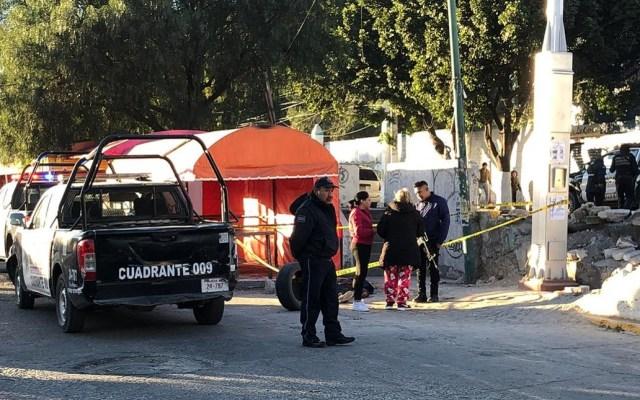 Matan a presunto asaltante tras asesinato de pasajero en Ecatepec - Un asaltante fue muerto a rocazos en Ecatepec. Foto de @vulcano_7