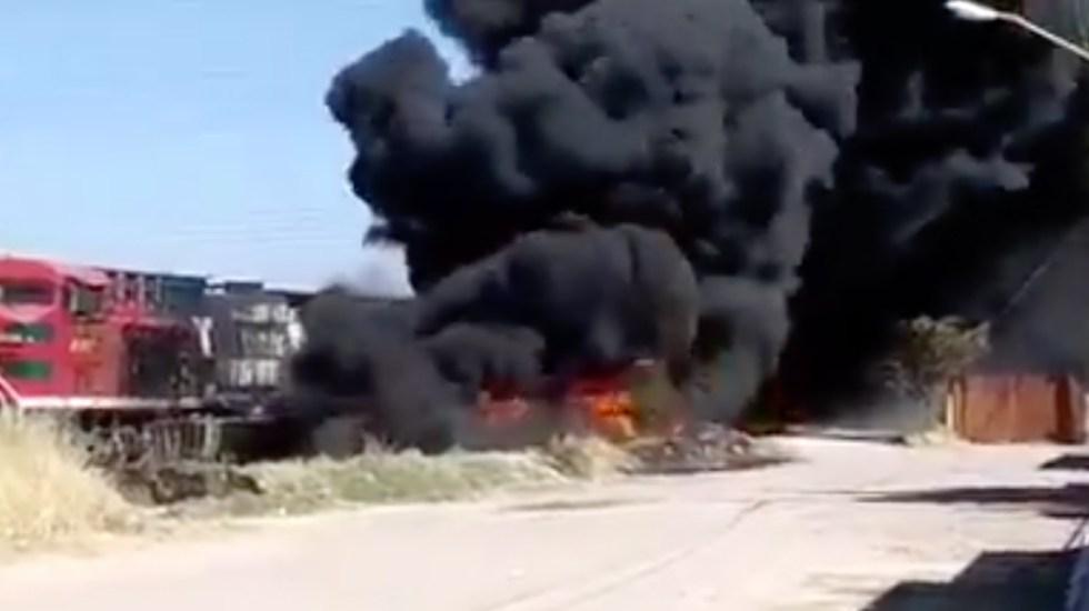 #Video Explota pipa de combustible al intentar ganar al tren en Aguascalientes - Captura de pantalla