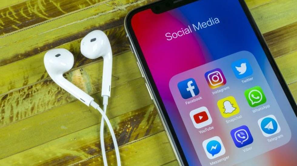 México es el tercer país con más tiempo invertido en redes sociales - Relaciones amorosas y redes sociales. Foto de Internet