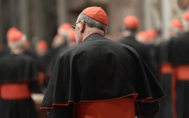 Investigan a 100 sacerdotes por presuntos abusos sexuales en Múnich - Sacerdote. Foto de Imago