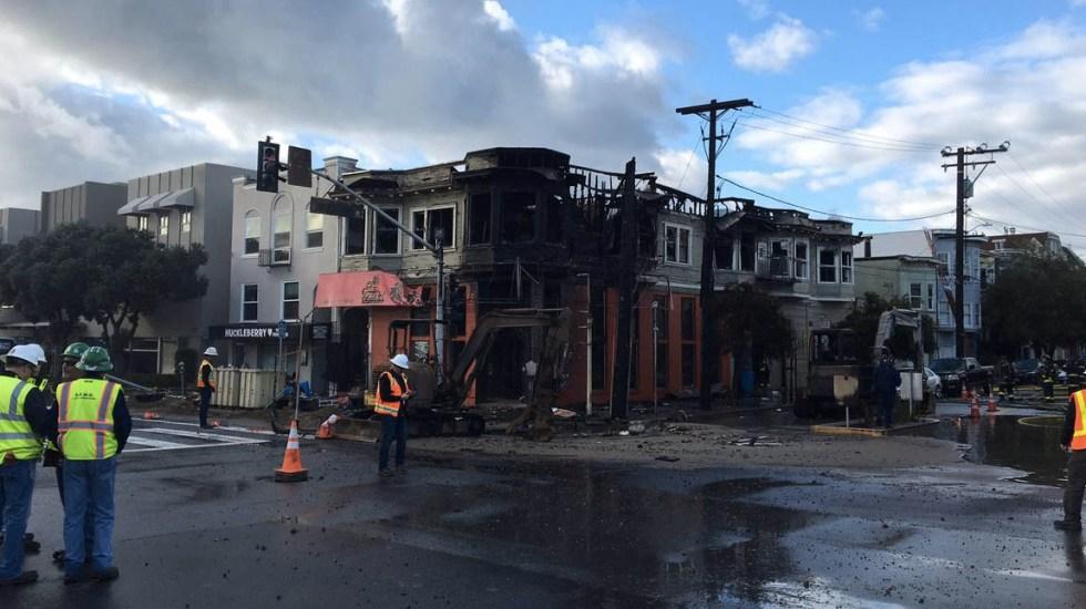 Controlado incendio en edificios de San Francisco - El fuego alcanzó cinco edificios. Foto de @SFFDPIO
