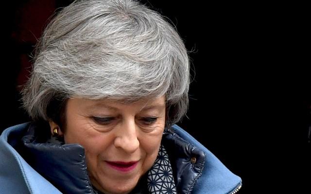 Acusan a May de comprar votos para Brexit con fondo de desarrollo - Theresa May. Foto de BEN STANSALL / AFP