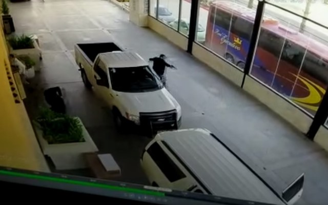 #Video Desatan balacera en hotel de Ensenada - Tiroteo en hotel de Ensenada. Captura de pantalla