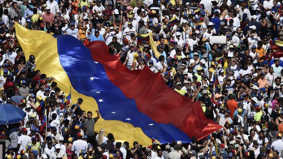 Opositores de Maduro toman las calles de Venezuela - Opositores de Maduro toman las calles de Venezuela