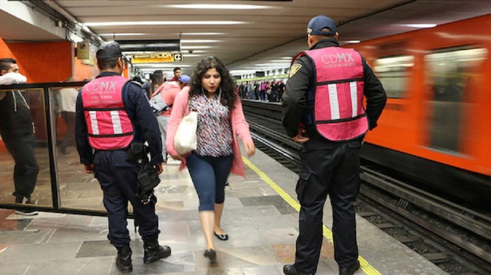 Presentan programa contra intentos de secuestro de mujeres en el Metro - Vigilancia policiaca. Foto de Internet