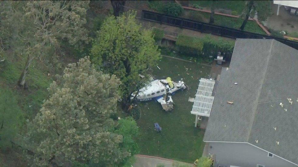 Se estrella avión pequeño contra casas en California - Foto de @Norinco_Milled