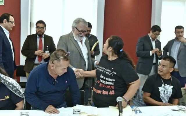 Pide Segob a Sedena entregar toda la información a Comisión para Ayotzinapa - Foto de @SEGOB_mx