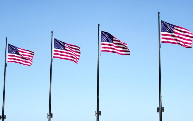 EE.UU. será segundo país hispanohablante en 2060 - Banderas de Estados Unidos. Foto de Florian Hahn en Unsplash