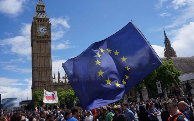 Comisión Europea considera 'probable' un Brexit sin acuerdo - Bandera de la Comisión Europea. Foto de Notimex