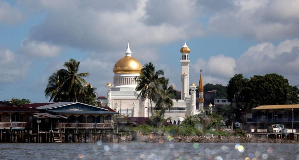 Brunéi penará con lapidación el adulterio y el sexo gay - Brunéi. Foto de David Cantrille/Alamy
