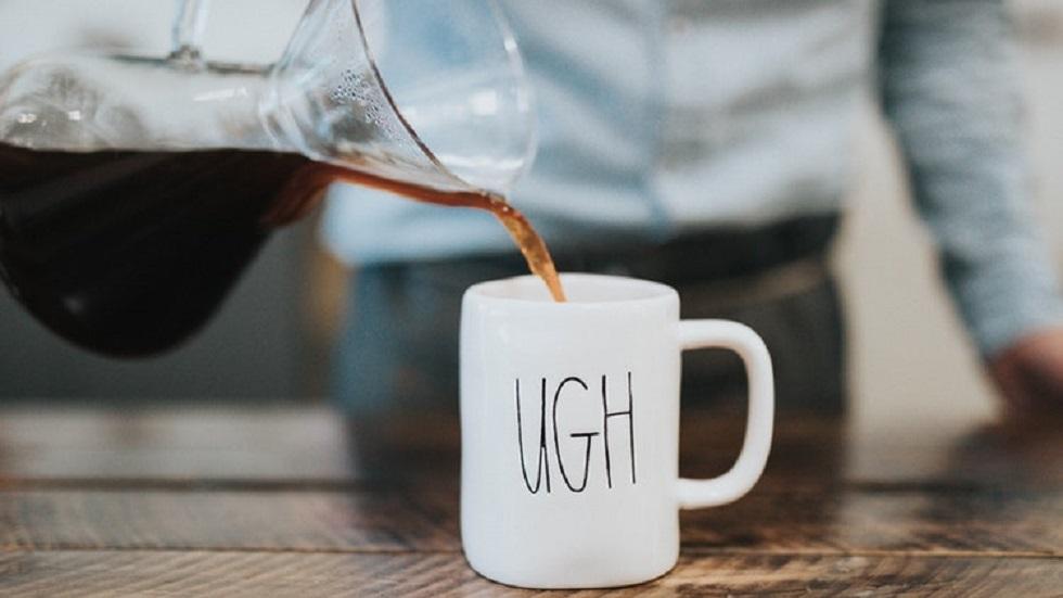 Una de cada cinco tazas de oficina tiene bacterias fecales - Café en la oficina. Foto de @@nate_dumlao