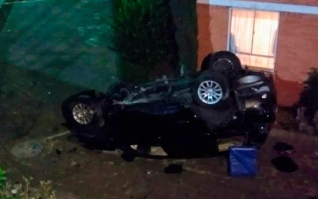 #Video Camioneta cae desde siete metros de altura en Tlalpan - Foto de Twitter