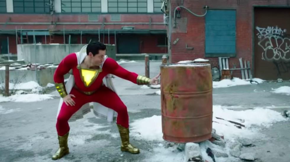 """""""Shazam!"""" se mantiene en la cima de la taquilla del fin de semana - nuevo tráiler de Shazam!"""