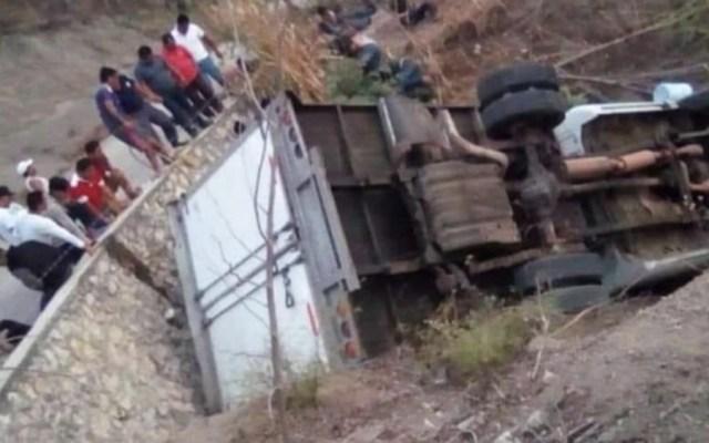 Dan a conocer causas del accidente carretero de migrantes en Chiapas - Foto de @TVTenlinea