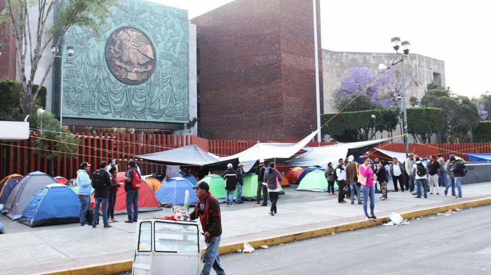 Acuerdo con CNTE es provisional: AMLO - Bloqueo de la CNTE en San Lázaro. Foto de Notimex