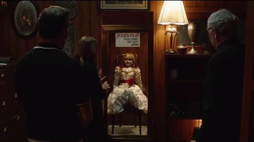 #Video Tráiler de Annabelle 3 desata los espíritus más espeluznantes - Encierro de la muñeca Annabelle en casa de los Warren. Captura de pantalla
