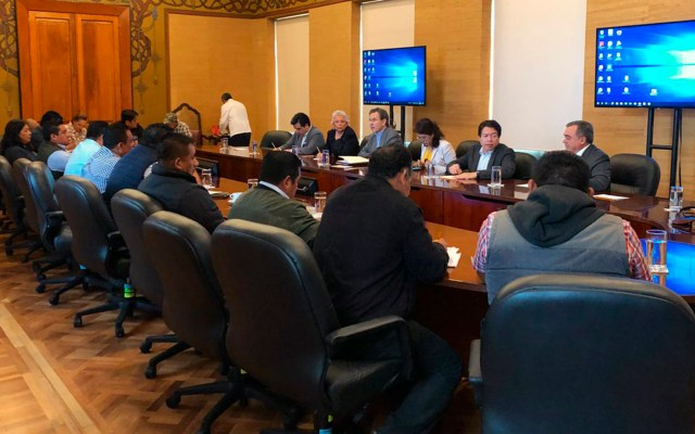Maestros de la coordinadora se reúnen con autoridades federales - La reunión de la Coordinadora e integrantes del gobierno de México. Foto de Esteban Moctezuma.
