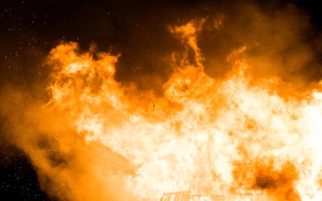 Explosión deja cinco muertos en fábrica de China - Imagen de una explosión controlada en Quorn. Foto de Unsplash