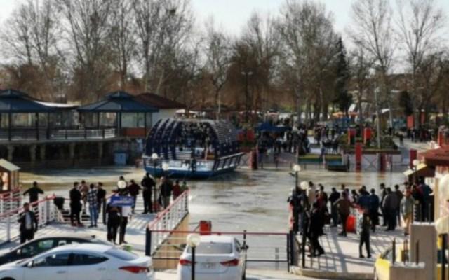 Mueren casi 100 personas al naufragar un ferry en Irak - ferry irak muertos