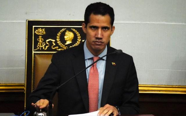 Fiscalía abre investigación contra Guaidó por apagón en Venezuela - Foto de AFP