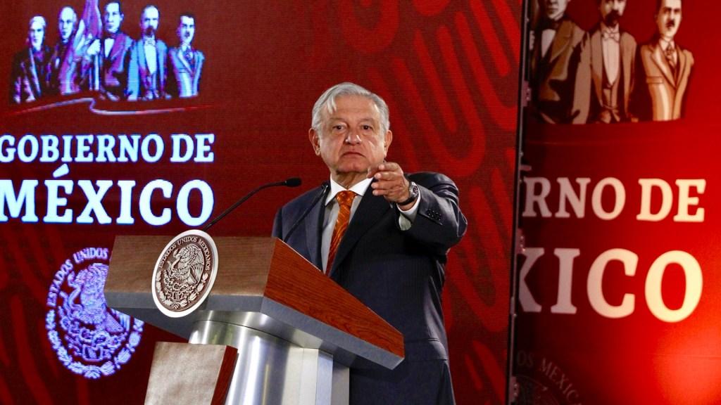 AMLO insiste en que no darán dinero a organizaciones civiles - López Obrador en conferencia. Foto de Notimex