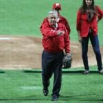 AMLO inaugura el estadio de los Diablos Rojos entre abucheos