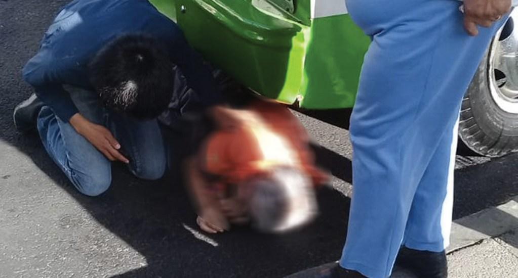 Hombre de la tercera edad muere atropellado por microbús en Avenida Tláhuac - Foto de @FelipeFloresMX