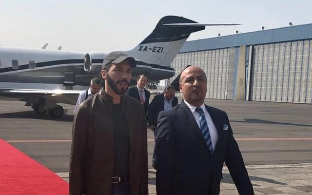Presidente electo de El Salvador llega a México - Foto de @maximilianoreyz