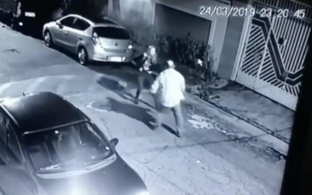 #Video Policía fuera de servicio mata a sujeto que pretendía agredirla en Brasil - Foto de O Globo