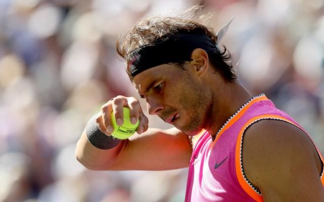 La rodilla deja a Nadal fuera de Indian Wells; Federer finalista - Foto de AFP