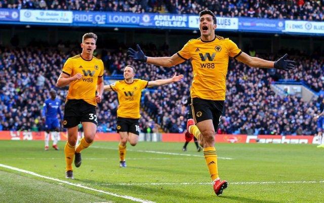 Raúl Jiménez y el Wolverhampton jugarán Europa League - El delantero mexicano Raúl Jiménez está firmando la mejor temporada de su carrera. Hoy anotó ante el Chelsea. Foto de @Raul_Jimenez9