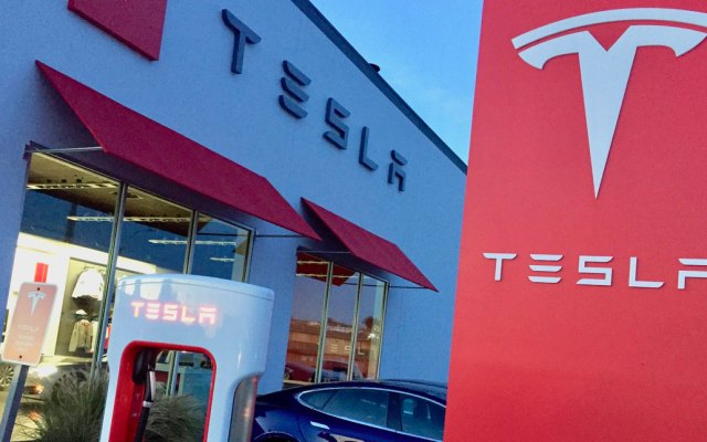 Tesla demanda a ex empleados por robar información confidencial - Foto de Teslarati
