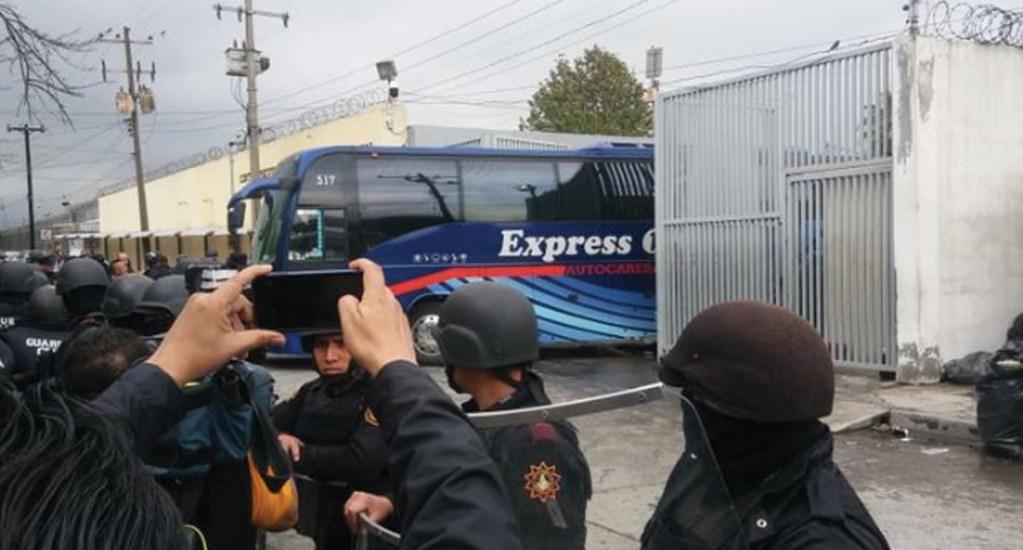 #Video Disturbios por traslado de reos en penal de Topo Chico - Foto de Multimedios