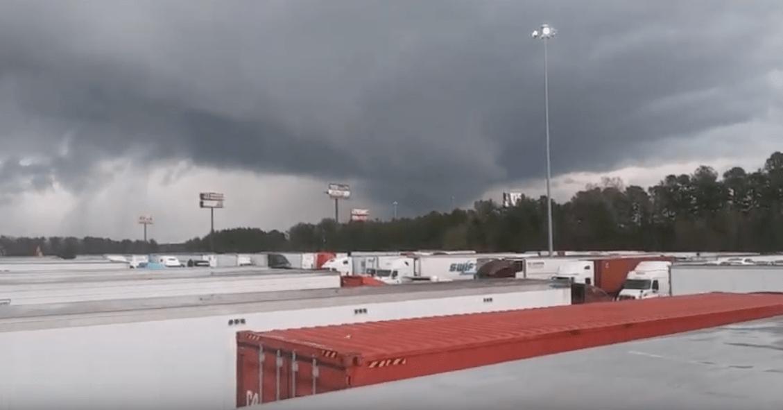 Daños catastróficos y 23 muertos por dos tornados en Estados Unidos
