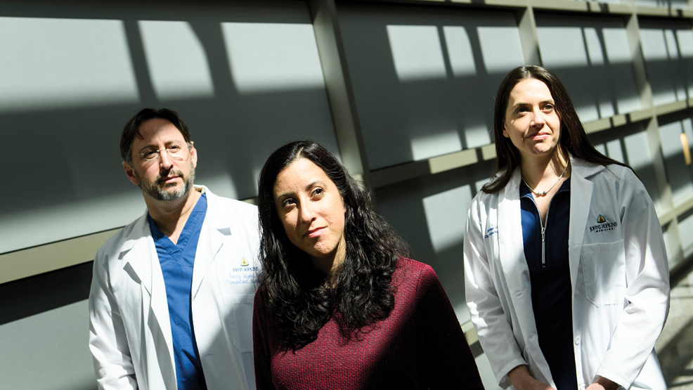Realizan el primer trasplante de riñón entre pacientes con VIH - Foto de AFP