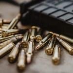 México vuelve a romper récord de violencia en primer trimestre de 2019 - Imagen ilustrativa de unas balas de rifle. Foto de Ryan Rippeon para Unsplash
