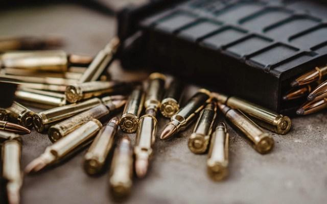 Hay 15 ciudades mexicanas entre las 50 más peligrosas del mundo - Imagen ilustrativa de unas balas de rifle. Foto de Ryan Rippeon para Unsplash