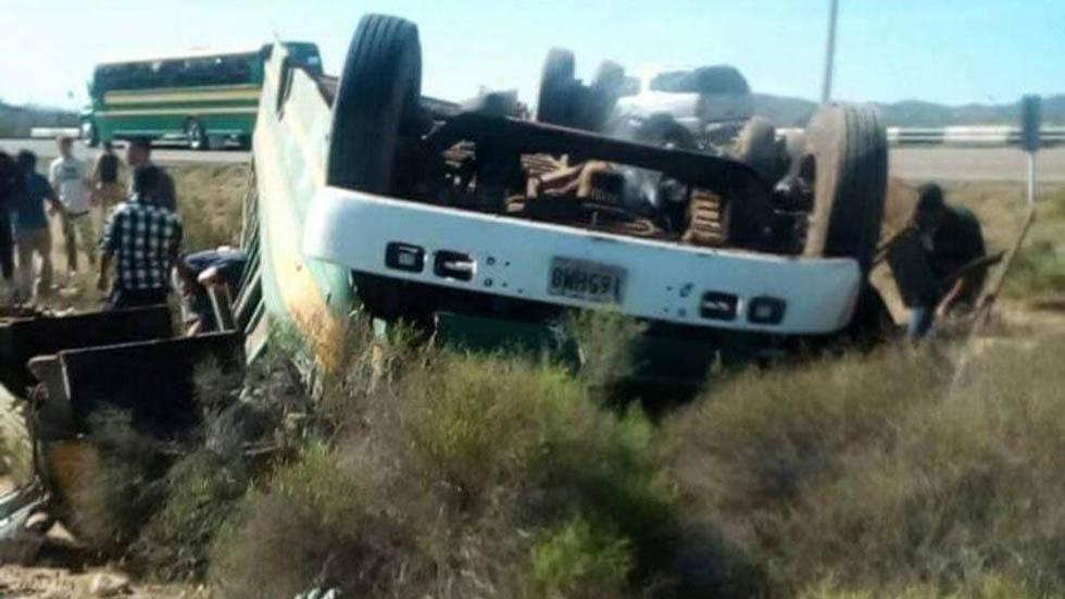 Volcadura de autobús de CBTa 308. Foto de 624 Noticias