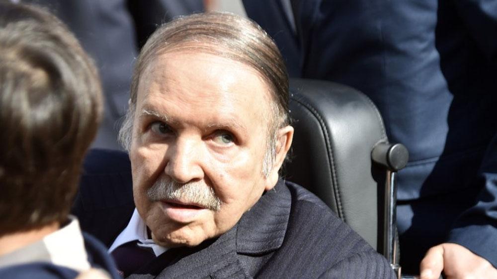 Consejo Constitucional de Argelia acepta dimisión de Abdelaziz Buteflika - Foto de AFP