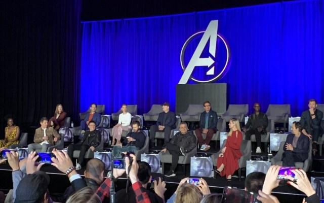 Las sillas vacías de la conferencia de 'Avengers: Endgame' - Foto de @kylebuchanan