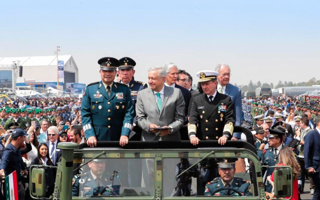 En junio iniciará construcción del aeropuerto de Santa Lucía: AMLO - López Obrador en la Base Militar de Santa Lucía, como parte de Ceremonia de Inauguración de la Feria Aeroespacial México 2019. Foto de Presidencia de la República.